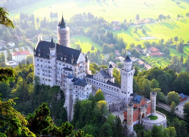 Lâu đài Neuschwanstein – Đức