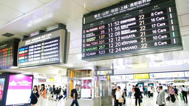 Tàu luôn đúng giờ mặc dù lượng hành khách rất lớn (Nguồn: Internet)